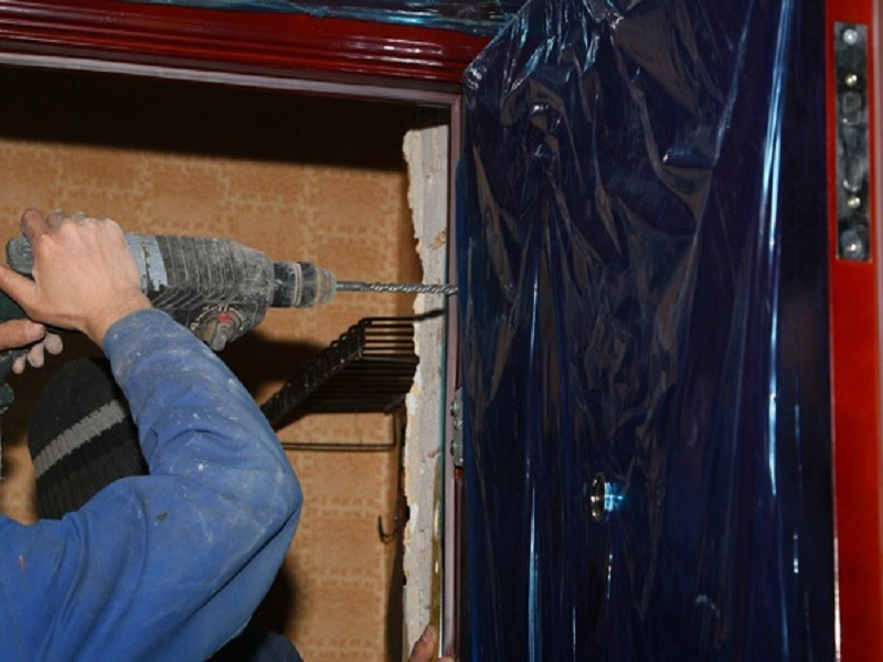 установки входной стальной двери